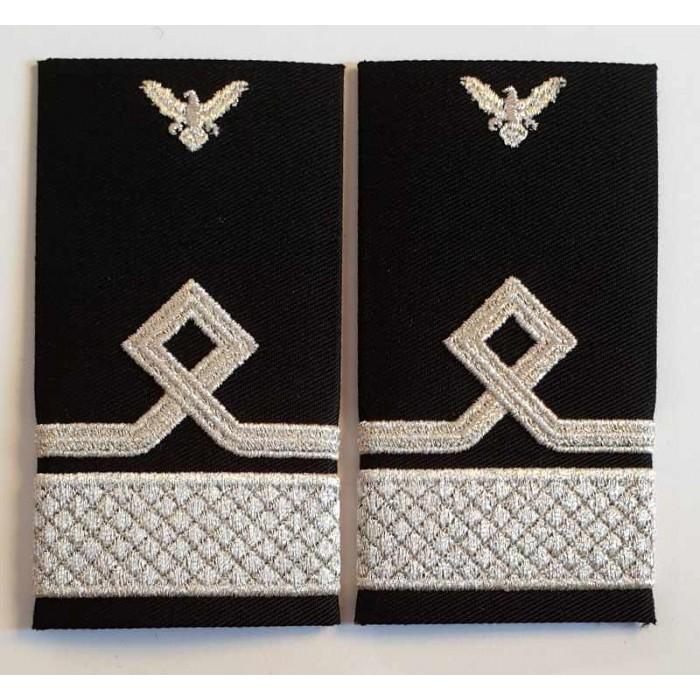 Grade Locotenent Comandor IGAV